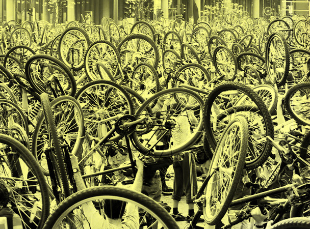 critical_mass_budapest-hold-up_bikelift_bikesalut-radpropaganda1