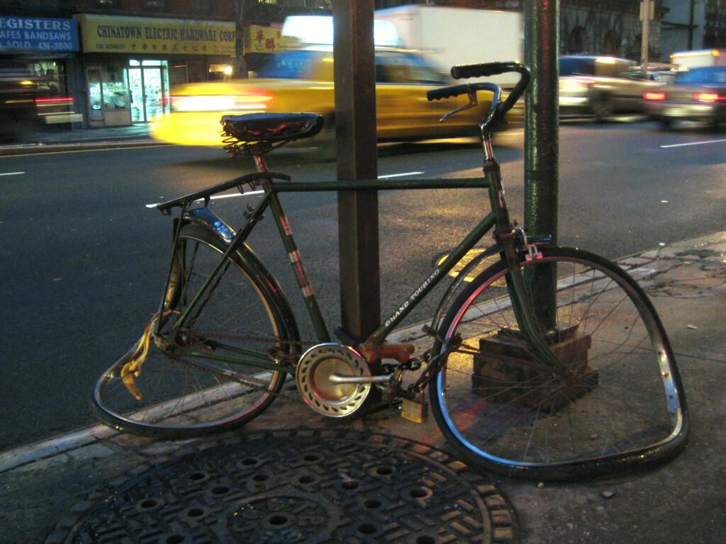 broken-bike-trash-bowery-nyc-radpropaganda